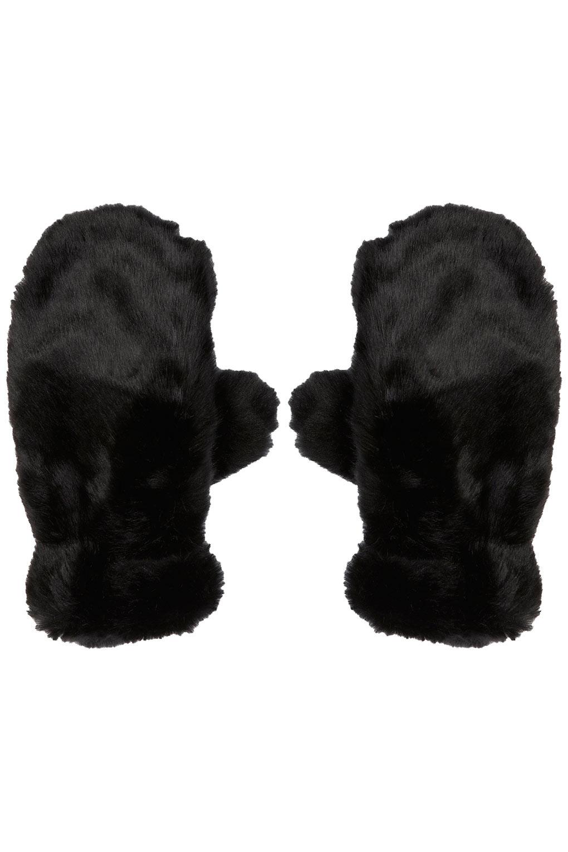Fur mittens, £18